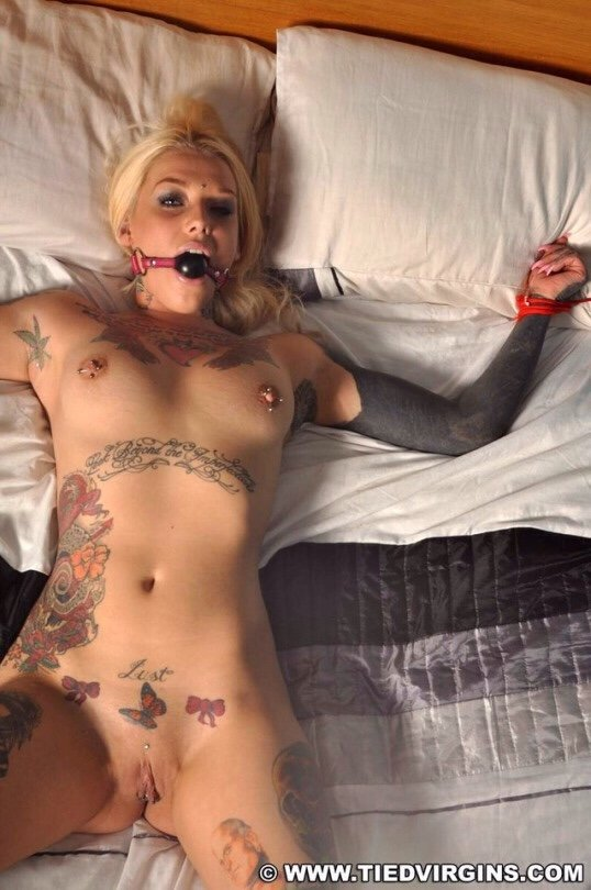 Sexy girl inked naked
