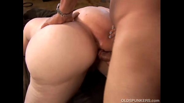 Curvy mature blonde loves to fuck tube