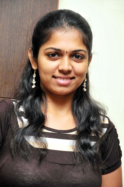 Tamil actress hot in bra